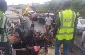 Two dead as trailer, lorry collide in Lagos [PHOTOS]
